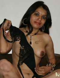 Sexy kavya in hot..