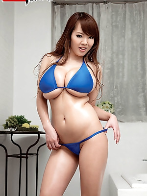 Horny amateur babes from Japan.