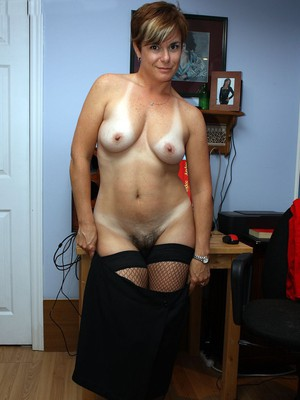 Old matures sex pics and videos. Beautiful mature sex pics.