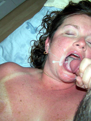 Amateur Guys end up on the girls faces, splashed all over on their faces, filling the mouth with sperm. Amateur cumshot porn pics.