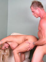 kneels amateur sex